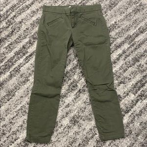 Gap army green skimmers